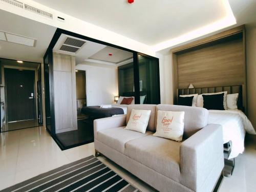 Bangkok-Asok+2double beds+52m2+4max Bangkok-Asok+2double beds+52m2+4max