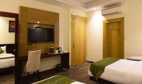 ZED ROOMS - AIRPORT HOTEL BANZ