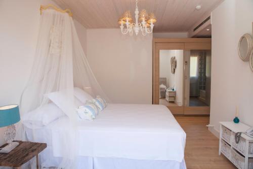 Habitación Doble Deluxe con terraza Es Cel de Begur Hotel 11