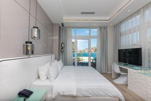 Фото отеля Demi Hotel