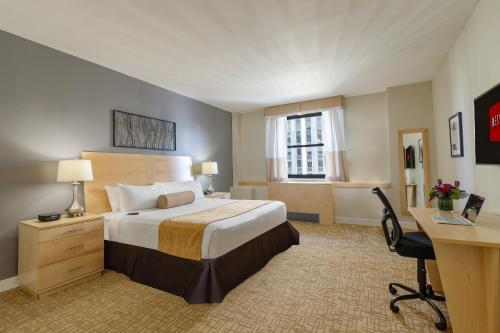 Hotel Pennsylvania *Недавно отремонтированный - Люкс Penn Plaza Collection с 1 спальней с 1 кроватью размера «king-size»