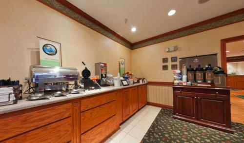 Country Inn & Suites By Radisson Michigan City In - Michigan City, IN 46360