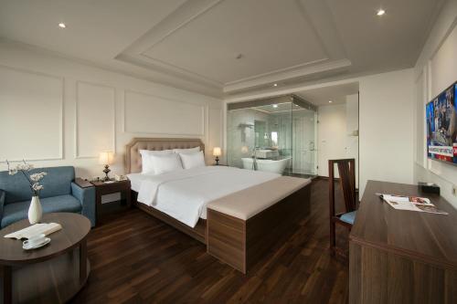 Quoc Hoa Premier Hotel & Spa