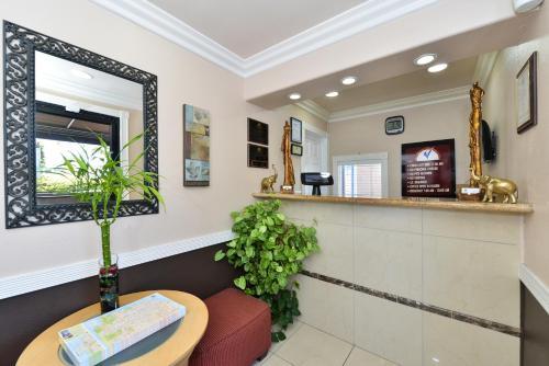 Americas Best Value Inn & Suites - San Francisco Airport - South San Francisco, CA CA 94080