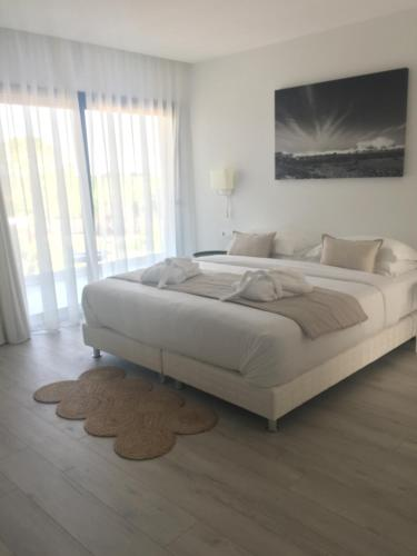 Superior Double Room with Terrace Boutique Hotel Can Pico 4