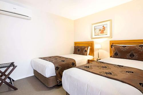 Foto - Quality Suites Alexander Inn