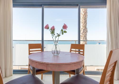Apartamentos Varadero Sea View - Apartment - Cala del Moral