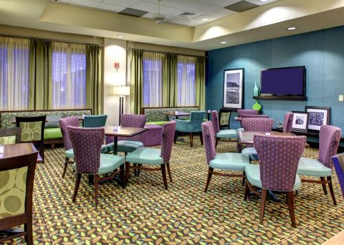 Hampton Inn & Suites Miami Airport South/Blue Lagoon in Miami