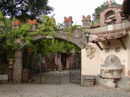 Borgo Dei Ferraresi Bandb