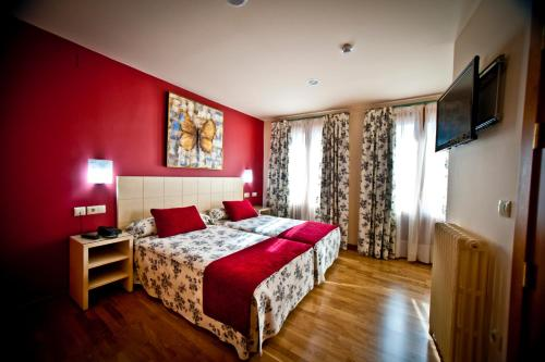 Special Offer - Twin Room Hotel Condes de Castilla 5