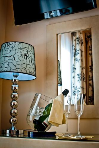 Dreibettzimmer Hotel Condes de Castilla 7