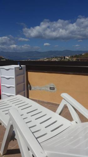 Book Romantico Monolocale Con Veranda E Terrazza Reggio Di