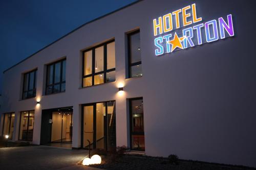 . Hotel Starton am Village