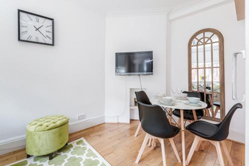 Trendy Covent Garden Apartment