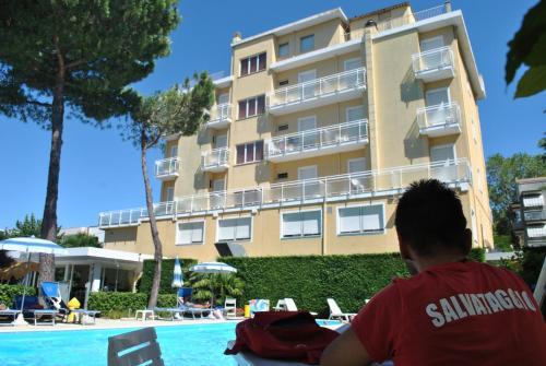 . Hotel Bahama