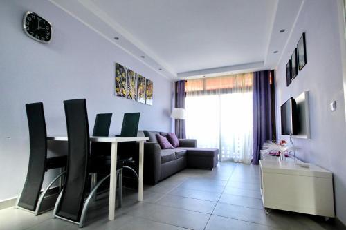 Modern sea view apartment near Playa Las Américas beach