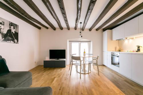 . Milano Apartments Mortara