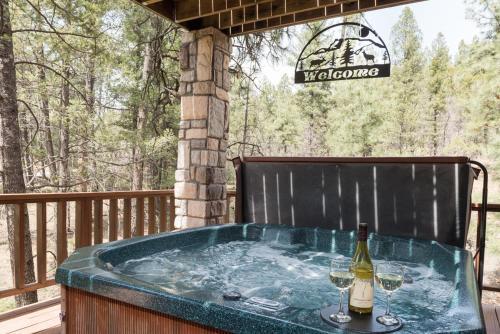 Cedar Creek Retreat, 4 Bedrooms, Sleeps 10, WiFi, Hot Tub, Gas Grill - Ruidoso