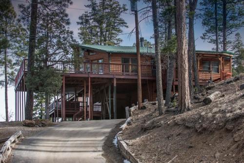 Buffalo Lodge, 7 Bedrooms, Sleeps 16, Hot Tub, Pool Table, Shuffleboard - Ruidoso