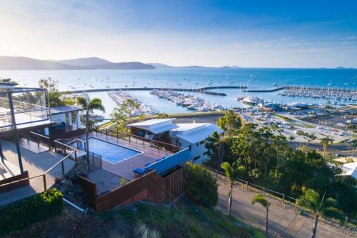 . Nautilus On The Hill - Airlie Beach