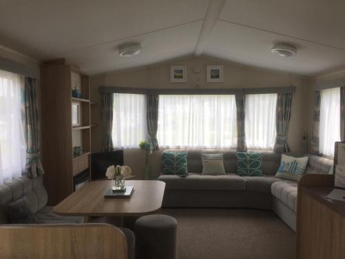 Acorn Caravan Holidays Newquay, Porth, Cornwall