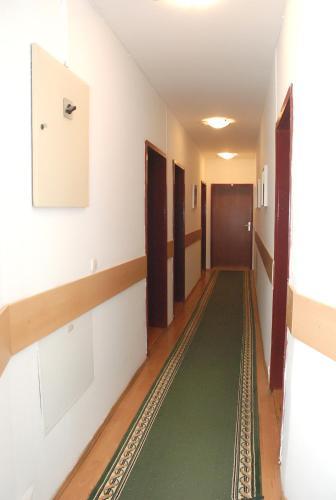 Hotel 7 - Photo 6 of 35