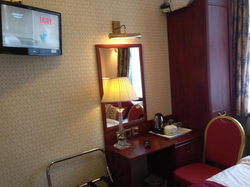 Avon Hotel photo 35
