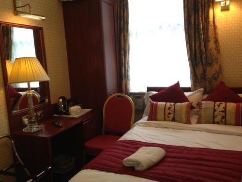 Avon Hotel photo 36