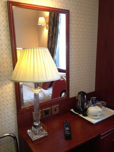 Avon Hotel photo 41