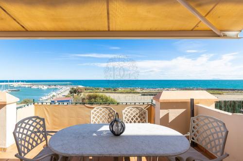 . Belgravia Beach Apartments by Dahlia Group