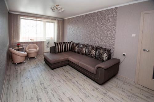. 2-rooms Apartment on prospekt Pobedy