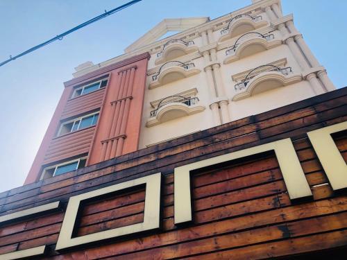 Cong Motel, Daedeok