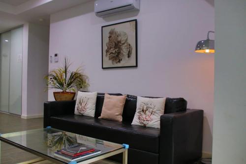 . Elegant Design 2 Bed 2 Bath Apartment In Liverpool