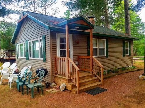 . Knotty Pine Resort - White Pine Cabin