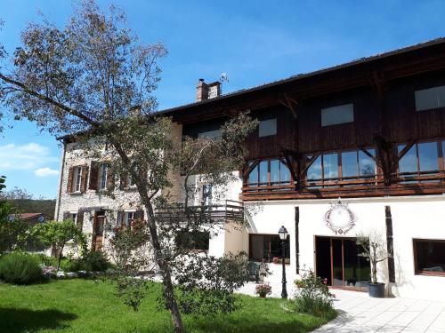 Chambres d'Hôtes La Noyeraie - Accommodation - Izeron