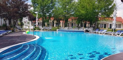 . Steaua Apelor Family Resort