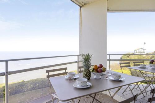 Bright T2 with balcony and sea view in Biarritz