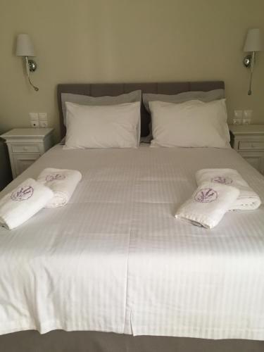 . LEVANTA HOTEL SPETSES