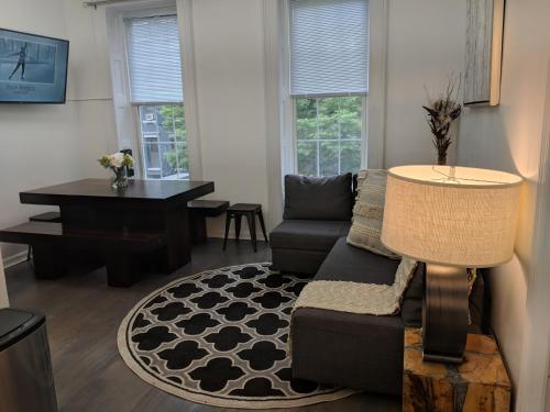 New! Modern Midtown Sanctury