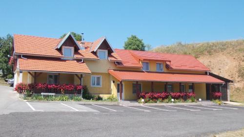 . Apartments Pavlić