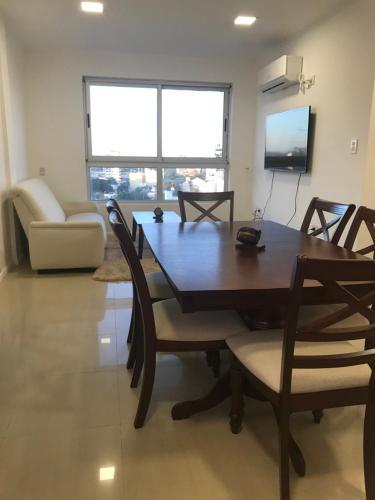 . Apartamento 2 ambientes sobre el río Paraná