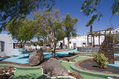 Calle Gramillo 5, 35500 Puerto del Carmen, Lanzarote, Spain.