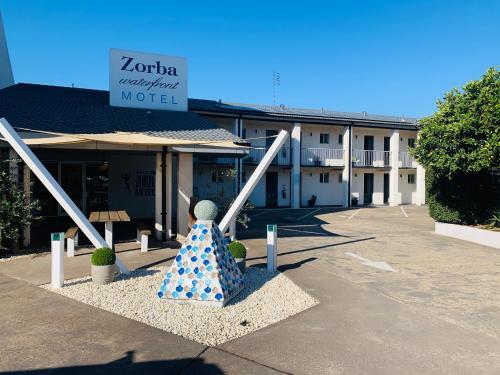 . Zorba Waterfront Motel