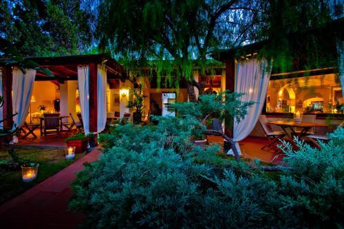 . Nora Club Hotel