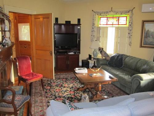 At The Turret Bed & Breakfast - Annapolis Royal, NS B0S 1A0