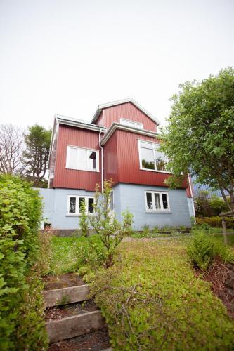 . 3 storey, 5 bedroom, 3 bathroom house in the center of Tórshavn