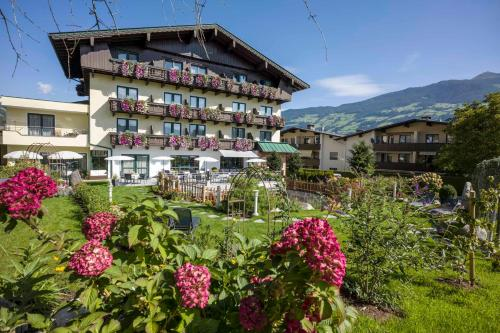 Landhaus Zillertal - Hotel - Fügen