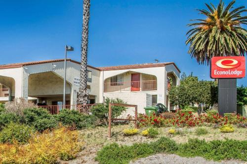 Accommodation in Castro Valley