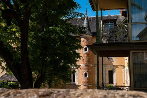 . Grand Hôtel du Lion d'Or