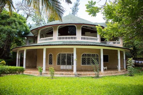 Family Friendly Coastal Luxury Villa Holiday Home